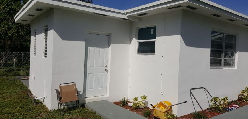 Duplex 2510 2512 Ne 181 St